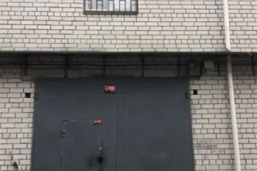 фотография - М. Оболонь, м. Минская. Продам кирпичный гараж с ДОКУМЕНТАМИ,,площ.-42 м. кв.